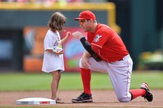 This is priceless! Vote for Todd! @Reds: MLB would be lucky to have him as their face. #ToddFrazier #FaceOfMLB
