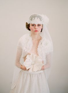 Bridal lace cap with veil, french and vintage inspired - Great Gatsby #wedding ideas via Etsy.