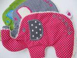 Individuelles und kuscheliges Knistertuch Elefant gerne bestickt mit deinem Wunschnamen oder Wunschtext, siehe divese Preise  Zwei Größen sind möglich: Größe 1: ca 20x15 cm 12,50 Euro ohne...