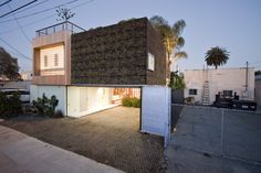 Garage House Designs Amazing Ideas - http://uhomedesignlover.com/garage-house-designs-amazing-ideas/