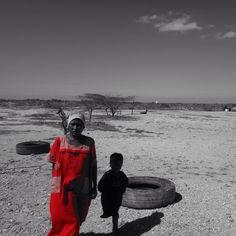 Lady in red #colombia #puntagallinas #cabodelavela #peopleoftheworld #nofilter #desertlife #solitarysociety #travelcom