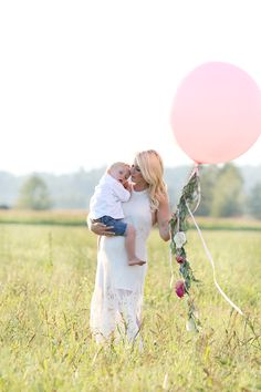 New baby girl announcement things to do ideas It's A Boy Announcement, Baby Announcements, Sibling Gender Reveal, Outdoor Baby Photography, Baby Dress Tutorials, Vintage Baby Clothes, Newborn Shoot, Baby Gender, New Baby Girls
