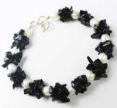 Black Onyx Chips Fresh Water Pearl 6 mm Beaded Jewelry Trendy Bracelet US - 1445 #SilvestoIndia #Beaded
