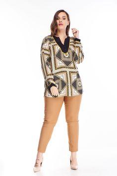 Viacfarebná blúzka s dlhým rukávom a výstrihom do tvaru V. Blúzka má na sebe sivú, čiernu a žltú farbu. Vzory sú orientálneho charakteru. Výstrih a rukávy sú s čiernym lemovaním. Blúzka je viskózového materiálu. Rompers, Dresses, Fashion, Vestidos, Moda, Fashion Styles, Romper Clothing, Romper Suit, Onesies