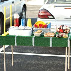Astroturf Tailgating table  #UltimateTailgate #Fanatics