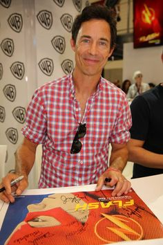 Sooo happy to see Tom Cavanagh back on TV! The Flash - Comic-Con 2014