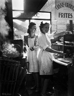 Baraque à   frites, rue Rambuteau,   1946