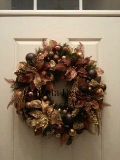 This is one of my favorite wreaths in brown, black and gold