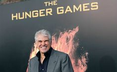 Really great interview with director Gary Ross about making The Hunger Games. Why he chose certain things, not others, etc.