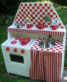Kids' Play Kitchen , Free DIY tutorial