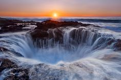Thor's Well is a sink hole of Cape Perpetua, a forested area of land on the central Oregon Coast, surrounded by water on three sides. Thor's Well is also often simply called the Spouting Horn. Thors Well Oregon, The Places Youll Go, Places To See, Beautiful World, Beautiful Places, Beautiful Pictures, Les Cascades, All Nature, Nature Water