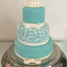 Bolo de 15 anos Tiffany Rose, Fancy Cakes, Cute Cakes, Quinceanera Cakes, Sweet 16 Cakes, Gorgeous Cakes, Sugar Art, Wedding Groom, Let Them Eat Cake