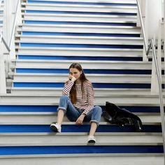 🎌 ん~。隠れた #ストライプ どこで見つけよう!?#ストライプをさがせ #フォトコンテスト #stripesinthecity #tokyo #stairs 💈📷 // Mais où se cachent les rayures ? 🙈  #petitbateau #stripes #rayures #mariniere #girls #japan #instagirls #fashion #mode #outfit #ootd #colors #colorful #amazing #love #cute #young #childhood