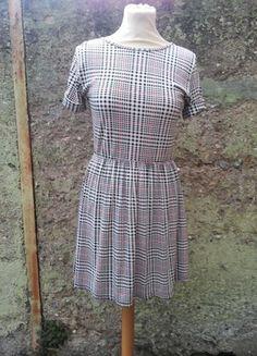 Kaufe meinen Artikel bei #Kleiderkreisel http://www.kleiderkreisel.de/damenmode/kurze-kleider/112571866-susses-kariertes-herbstkleid