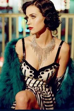 Katy Perry wears the 1920's look flawlessly | #celebrityhair #celebritymakeup #katyperry