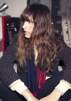 Caroline de Maigret, mixing a print jacket with solids and a colored scarf. Curly Hair With Bangs, Long Curly Hair, My Hair, Curly Hair Styles, Style Parisienne, Let Your Hair Down, Style Snaps, Messy Hairstyles, Hair 2018