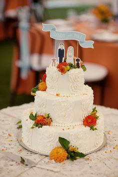 Love the cake & topper, too cute!