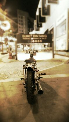 Honda C70 is on the town