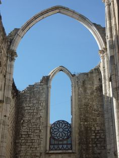The Convento da Ordem do Carmo or Carmo Convent is a medieval convent that was ruined in the 1755 Lisbon earthquake. This is a must see during your stay. Lisbon, Abandoned, Medieval, Portugal, Arch, Museum, Outdoor Structures, Travel, Sketch