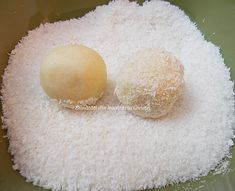 Bomboane Raffaello de casa - Bunătăți din bucătăria Gicuței Vanilla Cake, Desserts, Food, Raffaello, Tailgate Desserts, Deserts, Eten, Postres, Dessert
