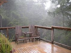 Building a second story deck can be a little tricky, so before you go-it-alone check out this article from SF Gate. Laying Decking, Decking Area, Deck Building Plans, Deck Plans, Diy Balkon, Second Story Deck, Raised Deck, Deck Construction, Diy Deck