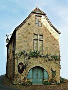 Medieval House In Martel