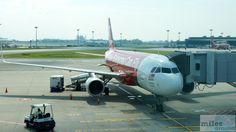 AirAsia Airbus A320-200 - MSN 6064 - 9M-AJH - Check more at http://www.miles-around.de/trip-reports/economy-class/airasia-airbus-a320-200-economy-class-singapur-nach-langkawi/,  #A320-200 #AirAsia #Airbus #Airport #avgeek #Aviation #EconomyClass #Flughafen #LGK #Reisebericht #SIN #Trip-Report
