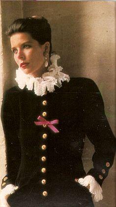 Carolina en un reportaje de Karl Lagerfeld publicado en Hola en los 90.