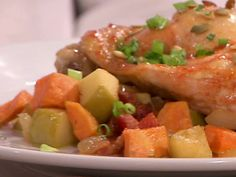Garnet Yam, Bacon, and Apple Hash recipe from Anne Burrell via Food Network Side Recipes, Lunch Recipes, Paleo Recipes, Cooking Recipes, Worst Cooks In America, Hash Recipe, Breakfast Hash, Yams, Vegetable Side Dishes