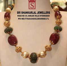 Latest Jewellery, Gold Jewellery, Beaded Jewelry, Beaded Bracelets, Pearl Chain, Chains, Jewelry Design, Design Ideas, Jewels