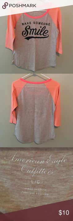 American Eagle Outfitters Tee Gently worn in great condition! American Eagle Outfitters Tops Tees - Long Sleeve