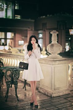 Skirt Fashion, Fashion Dresses, Professional Outfits, How To Look Classy, Beautiful Asian Girls, Stylish Dresses, Asian Fashion, Fashion Looks, Clothes For Women