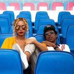 Entertainment power couple, Beyonce and Jay Z are sure living their best lives. The music duo who are in Italy have been on a sight-seeing m. Beyonce E Jay Z, Beyonce Coachella, Beyonce Fans, Beyonce Style, Beyonce Knowles Carter, Jayz Beyonce, Beyonce Family, Beyonce Memes, Beyonce Album