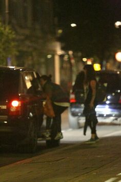 This fan wouldn't let go of Harry's car lol, this is a prime example of over board ........