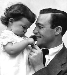 Gene Kelly with his daughter Kerry whose mother was actress Betsy Blair. Gene Kelly and Betsy Blair were married from Hollywood Actor, Golden Age Of Hollywood, Hollywood Stars, Classic Hollywood, Old Hollywood, Hollywood Icons, Hollywood Actresses, Gene Kelly, Old Movie Stars