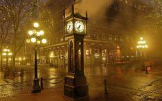 Reloj de vapor en Gastown, Vancouver, Canada by Raymond Saunders de Wallpaper Store, Clock Wallpaper, Hd Wallpaper, Vintage London, Quebec, Wallpapers Vintage, Vancouver Photography, Food Photography, White Photography