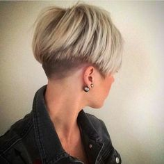 50 Best Short Straight Hair Ideas in 2019 Short Hairstyles For Thick Straight Hair Related posts:Haircuts for fine hairMeg ryan haircutsHaircuts for thin hair: Short Hairstyles For Fine Hair 2013 Short Blonde Haircuts, Girls Short Haircuts, Short Hairstyles For Thick Hair, Short Straight Hair, Short Hair Cuts, Curly Hair Styles, Long Hair, Bob Haircuts, Undercut Hairstyles