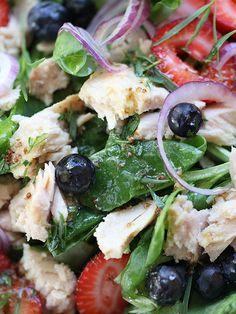 Summer Berry Spinach Salad - a menu item at Applebee's right now Savory Salads, Healthy Salads, Healthy Eating, Healthy Recipes, Taco Salads, Lunch Recipes, Salad Recipes, Cooking Recipes, Spinach Recipes