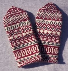 Pat's Knitting and Quilting:Mittens from Lapland Crochet Mittens, Mittens Pattern, Fingerless Mittens, Sweater Knitting Patterns, Knit Or Crochet, Knitting Socks, Hand Knitting, Hand Knitted Sweaters, Knitted Gloves