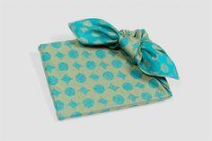Furoshiki Ribon-tsutsumi (How to. Japanese Gift Wrapping, Japanese Gifts, Creative Gift Wrapping, Present Wrapping, Creative Gifts, Furoshiki Wrapping, How To Make Bows, Origami, Etsy Seller