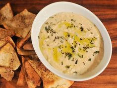 Rosemary and Lemon White Bean Dip | blend a batch of this creamy white cannellini bean dip