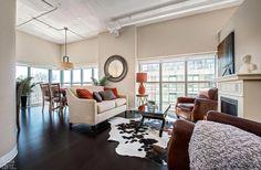 New dark wood floors bedroom bath ideas Raw Wood Furniture, Shelf Furniture, Furniture Plans, Wood Paneling Decor, Painted Wood Floors, Cherry Wood Floors, Dark Wood Floors, Natural Wood Decor, Wood Ceilings