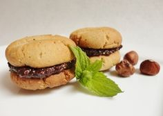 Hazelnut and chocolate cookies - this recipe is gluten-free, wheat-free, sugar-free, yeast-free, soya-free, peanut-free, corn-free, egg-free, dairy-free, casein-free, lactose-free, vegetarian and vegan
