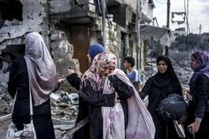 imágenes que han enviado las agencias de noticias durante el alto el fuego desde el distrito norte de Beit Hanun y el distrito residencial d...