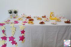 Mesa de salgados   +INFO: mimeoseubebe@gmail.com ou mensagem privada   #mimeoseubebe #mime #festaslindas #kitfesta #decoração #festa #aniversáio #estrelas