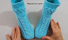 EL ÖRGÜ 3 BURGULU EV BOTU TARİFİ | Nazarca.com Fingerless Gloves, Arm Warmers, Elsa, Fashion, Crochet Baby Booties, Tricot, Fingerless Mitts, Moda, Fashion Styles