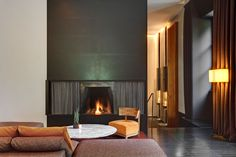 Book Bulgari Hotel Milano in Brera for best available rates at UrbanBooker, the verified luxury hotel collection. Bulgari Hotel Milan, Bulgari Hotels, Milan Hotel, Lobby Lounge, Great Hotel, Hotel Spa, Hotel Guest, Lounge Areas, Contemporary Interior