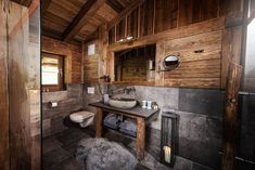 Tyrol& Alps are waiting for you. Be active or enjoy the peace in the feel-good chalet. Book your outdoor luxury here! Rustic Bathroom Designs, Modern Bathroom, Lodge Look, Chalet Interior, Chalet Design, Farmhouse Renovation, Log Homes, Amazing Bathrooms, Sweet Home