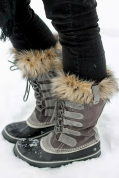 Cozy Arctic Sorel Boots... I have some of these amazing things!!!