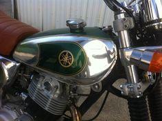 Réservoir XT 500 poli et peint  en vert métallisé, marquage doré peint